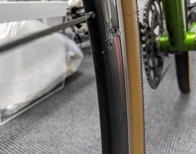 駐輪場が自転車を破壊する